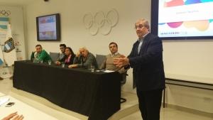 Mario Moccia expone durante el encuentro con las Federaciones Nacionales.